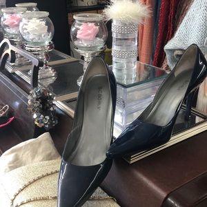 BCBG midnight blue heels— pointed toe size 8